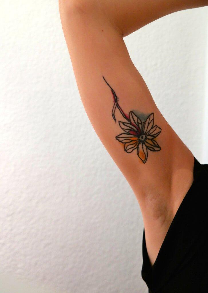 tattoo oberarm innen