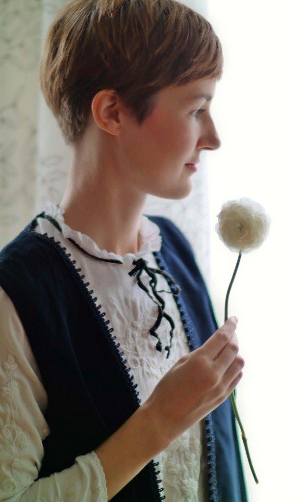 Porträt mit Blume