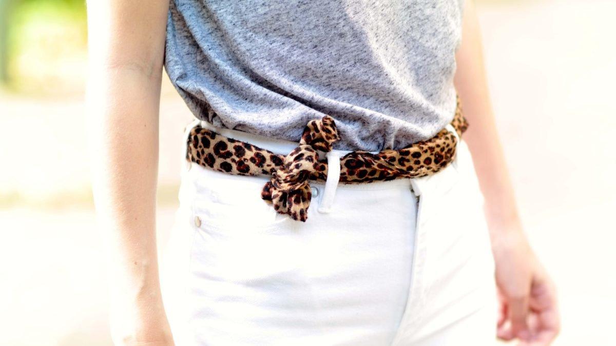 Detail mit Leopardengürtel