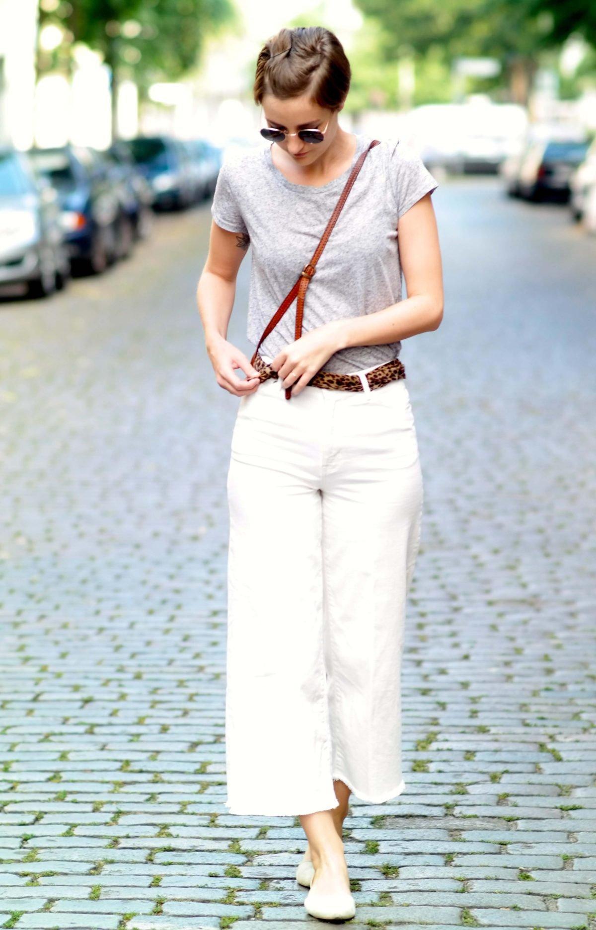 Outfit mit Culottes und Sonnenbrille