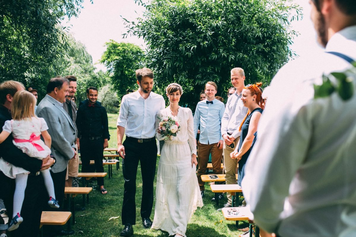 Braut wird hereingeführt