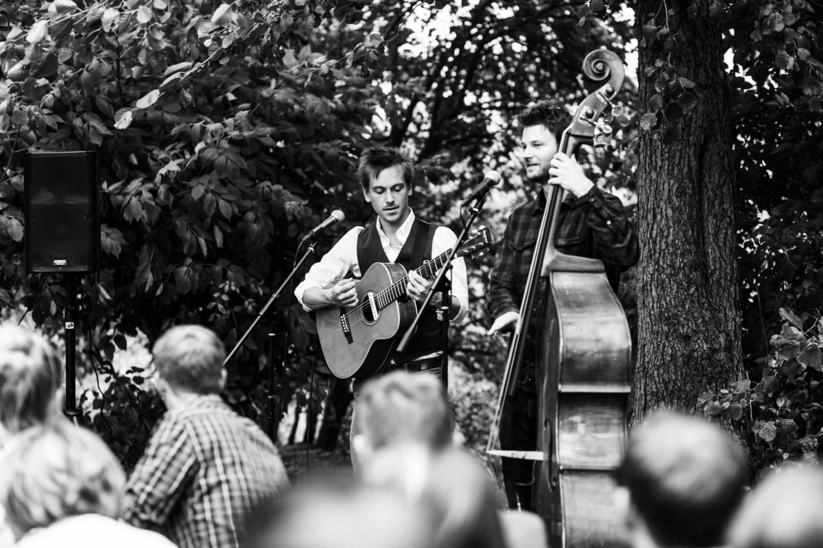 "Band ""Nature in the City"" bei Hochzeit"