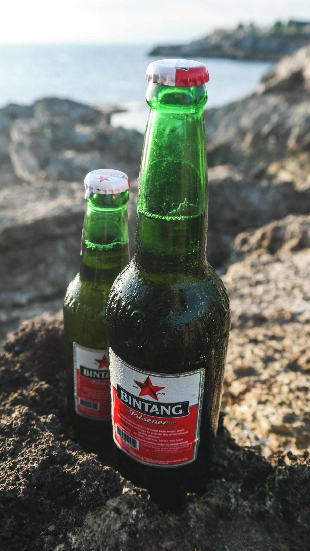 Zwei Flaschen Bintang Bier