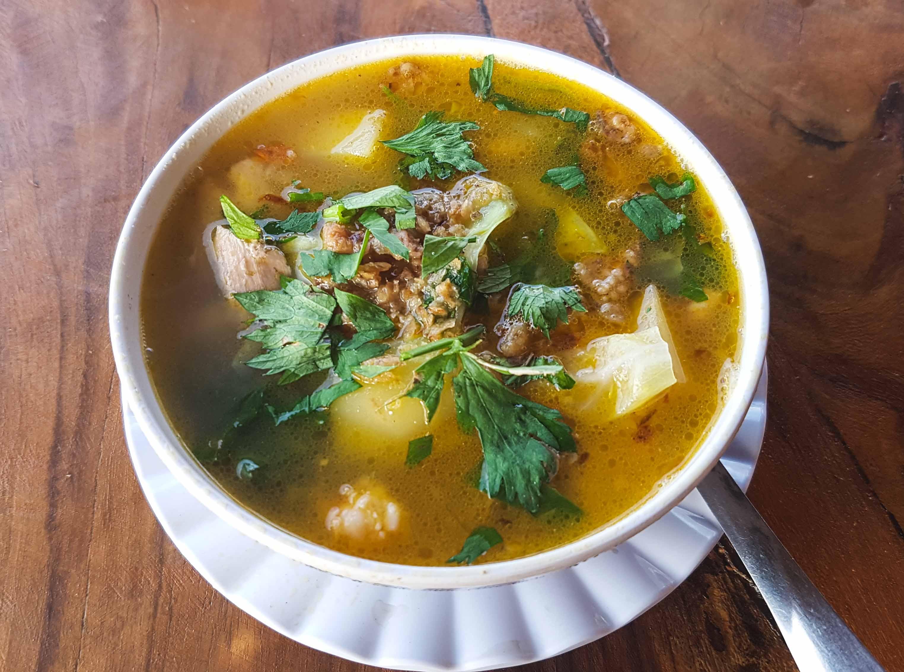 Suppe im Warung Putu auf Nusa Lembongan