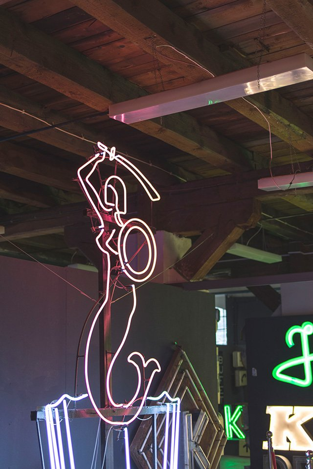 Sirene im Neon Museum Warschau