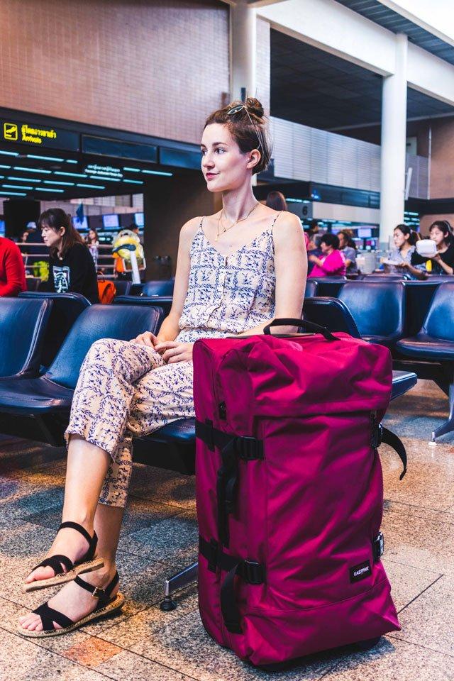 In der Wartehalle vom Flughafen in Bangkok