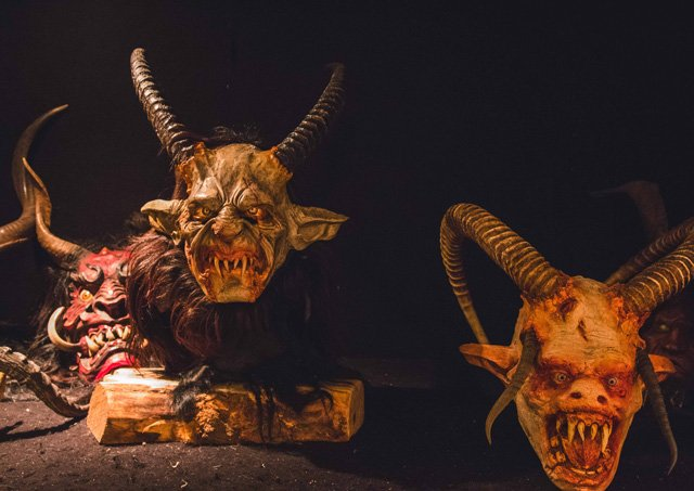 Krampus Masken vom Talwirt in Hüttschlag
