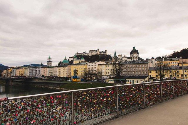 Blick vom Makartsteg auf Salzburg