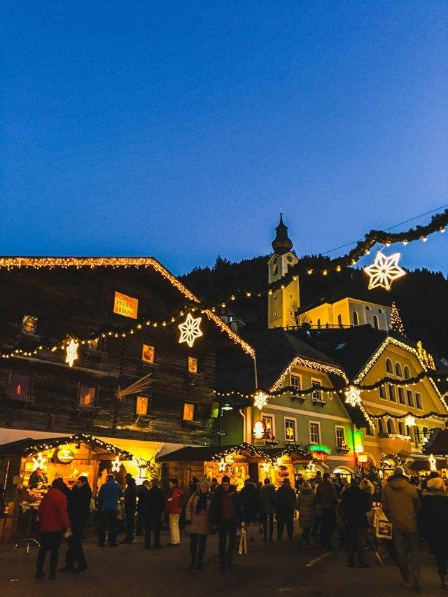 Kulisse vom Salzburger Bergadvent in Hüttschlag