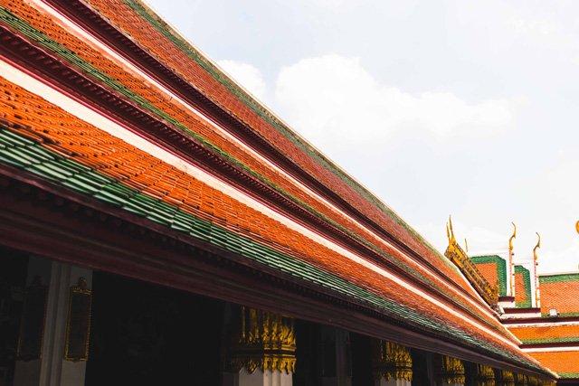 Dach vom Wat Phra Kaeo Tempel in Bangkok