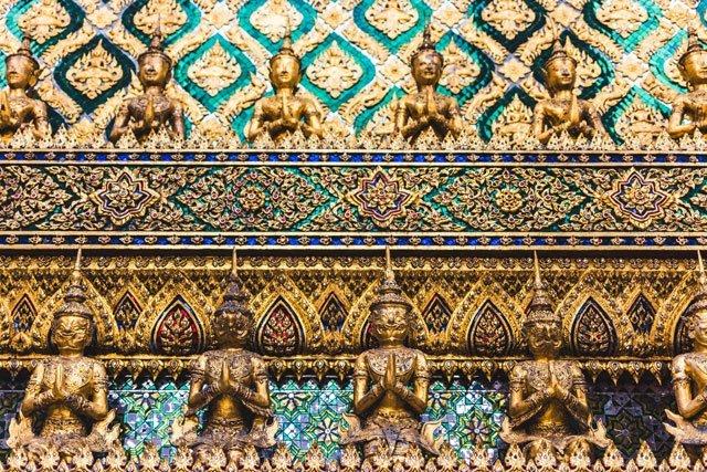 Details im Wat Phra Kaeo Tempel in Bangkok