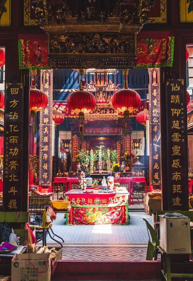 Innenraum des Sin Sze Si Ya Tempels in Kuala Lumpur