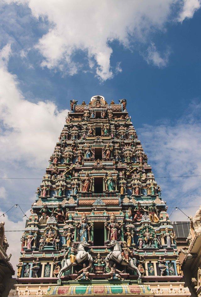 Eingang des Sri Maha Mariamman Tempels in Kuala Lumpur