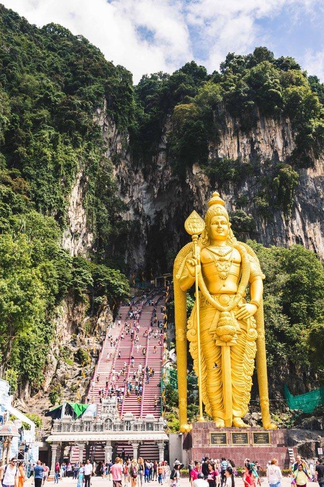 Murugan Statue vor den Batu Caves