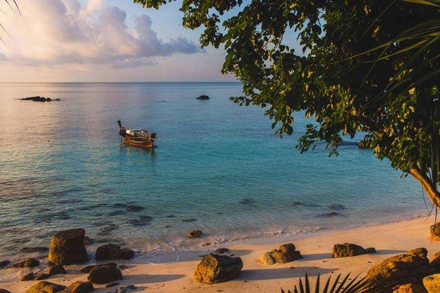 Ausblick von der Terrasse im Sanom Beach Resort auf Ko Lipe