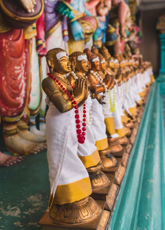Statuen im Sri Maha Mariamman Tempel in Kuala Lumpur