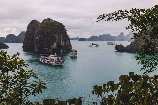 Blick in die Halong Bay in Vietnam