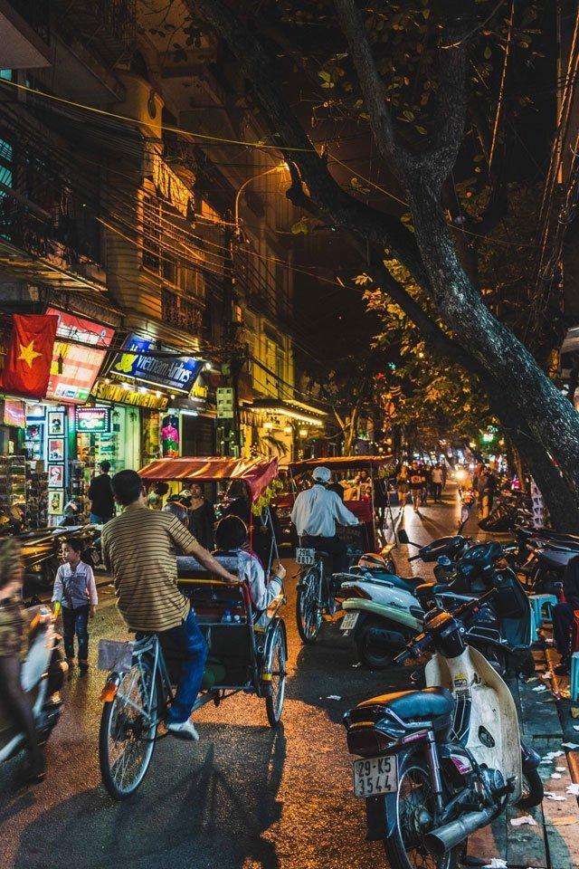 Altstadt von Hanoi am Abend