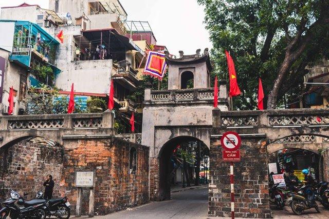 Altes Stadttor in der Altstadt von Hanoi