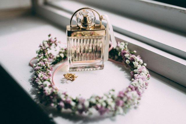 Haarkranz für Hochzeit mit Schleierkraut