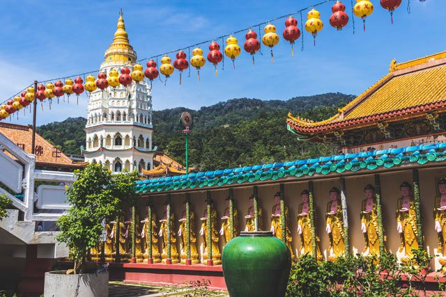 Blick auf die Pagode der 10.000 Buddhas, Kek Lok Si auf Penang