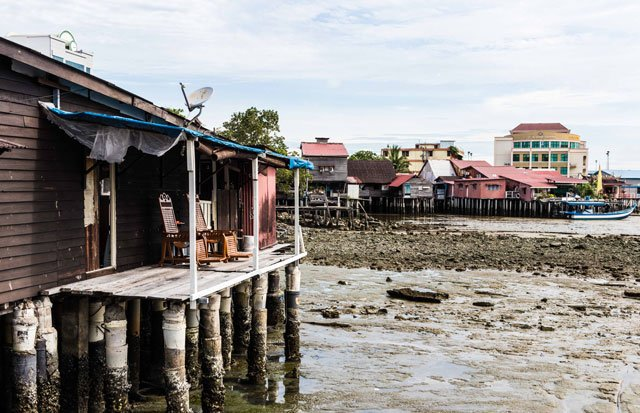 Clan Jetties in George Town auf Penang bei Ebbe