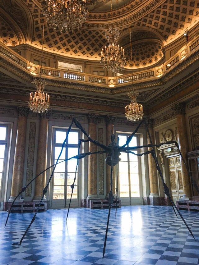 Spider von Louise Bourgeois im Monnaie de Paris