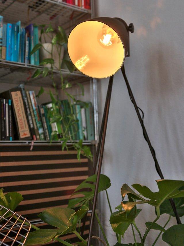Tripod Lampe von Regenbogen