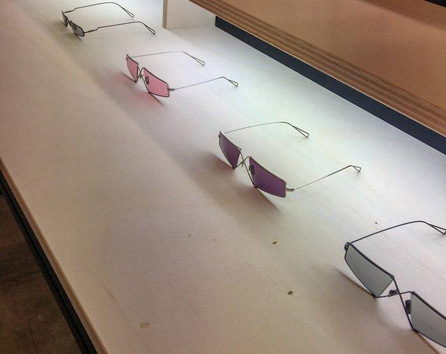 Micro-Sonnenbrillen mit bunten Gläsern