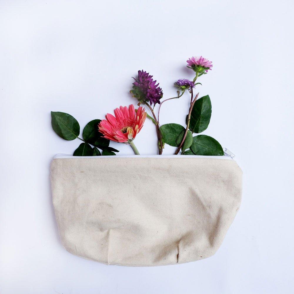 Kosmetiktasche mit Blumen