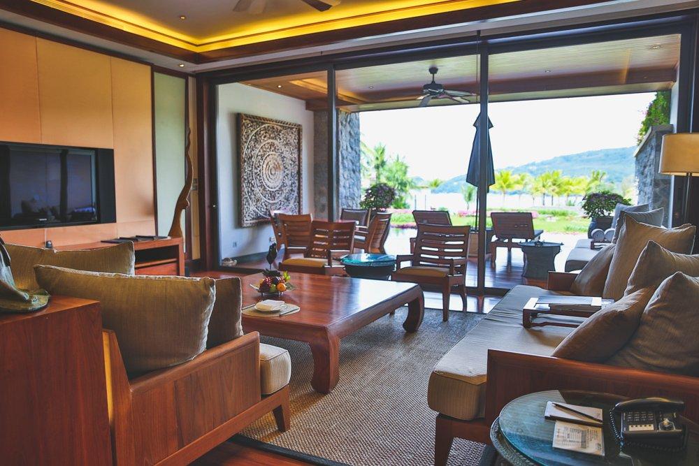 Wohnzimmer im Andara Resort Phuket