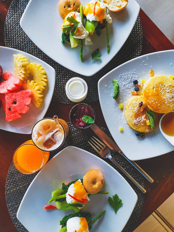 Frühstückstisch im Andara Resort Phuket