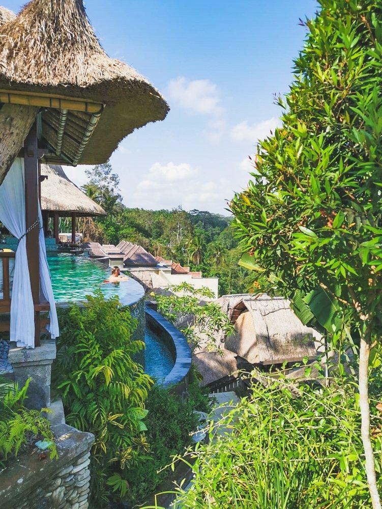 Blick vom Main Pool des Viceroy Bali