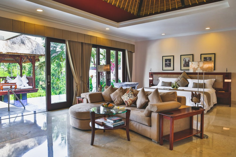 Innenraum der Deluxe Villa im Viceroy Bali