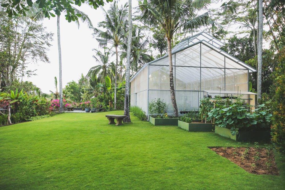 Garten mit Gewächshaus im Viceroy Bali